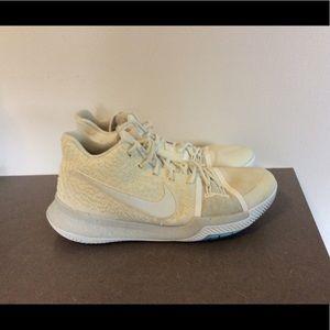 2991611218f Men s Nike Kyrie 3 on Poshmark